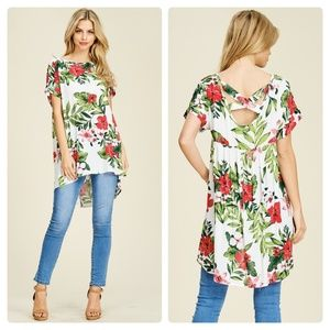 Tops - NWT DOLMAN SLEEVE FLORAL TOP